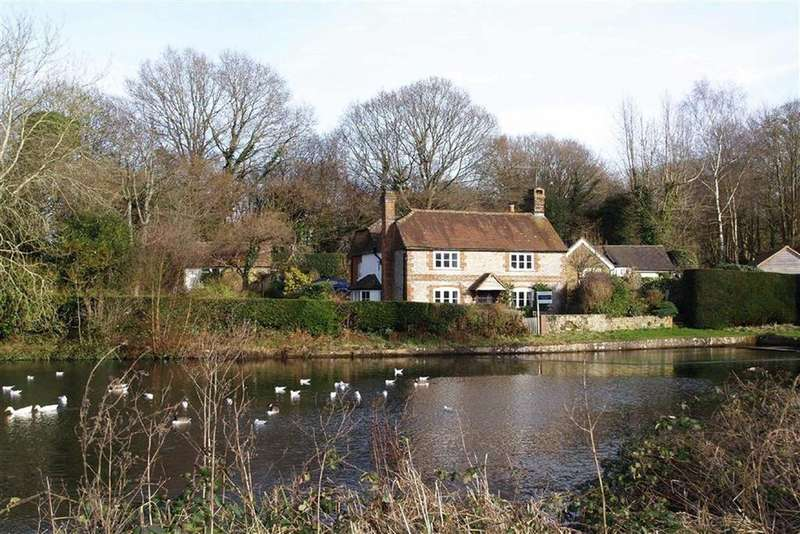 4 Bedrooms Cottage House for sale in Shottermill Ponds, Haslemere, Surrey, GU27