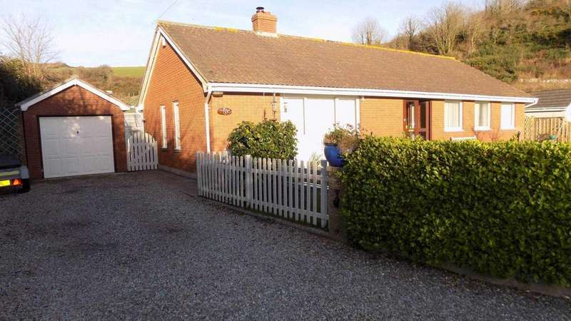 3 Bedrooms Detached Bungalow for sale in Earls Drive, Kingsand