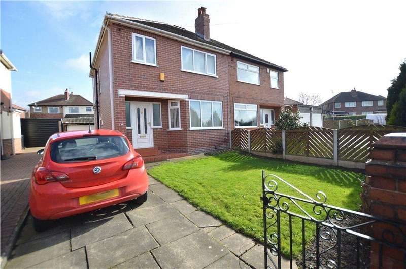3 Bedrooms Semi Detached House for sale in Hawkhill Avenue, Leeds, West Yorkshire