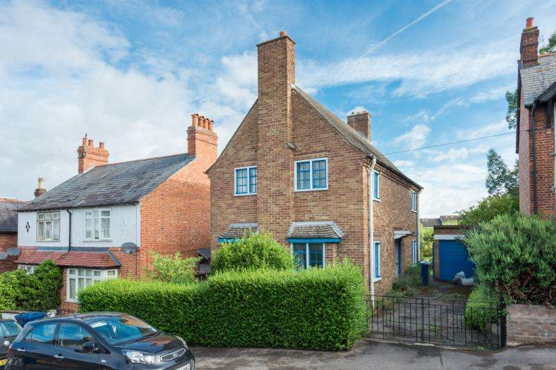 3 Bedrooms Detached House for sale in Crescent Road, Temple Cowley, Oxford