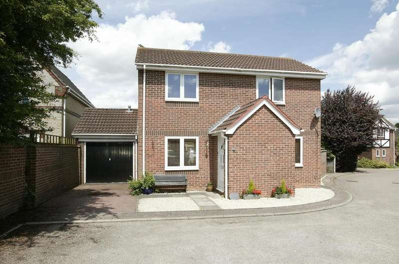 3 Bedrooms Detached House for sale in Hethersett