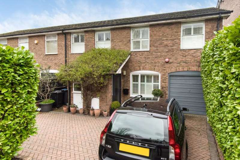 3 Bedrooms Semi Detached Bungalow for sale in Beaumont Close, Kingston upon Thames KT2