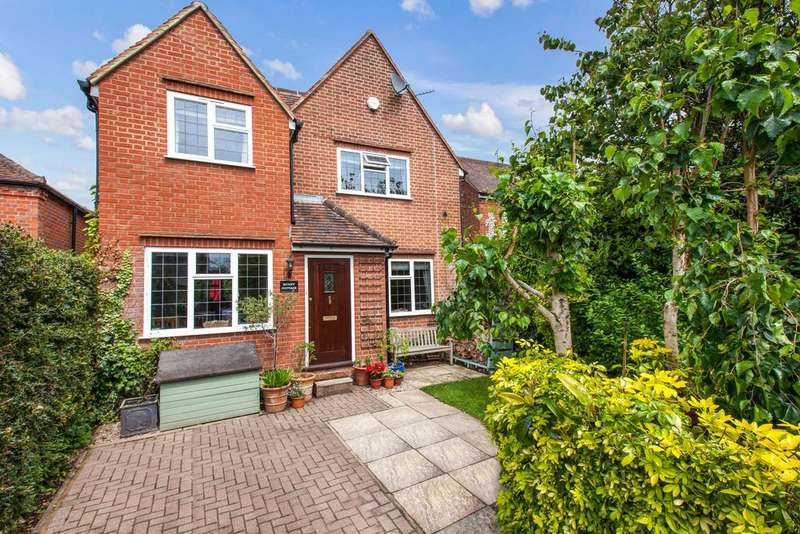 3 Bedrooms Detached House for sale in Seer Green