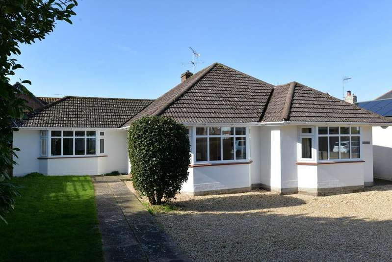 2 Bedrooms Detached Bungalow for sale in Park Road, Barton on Sea