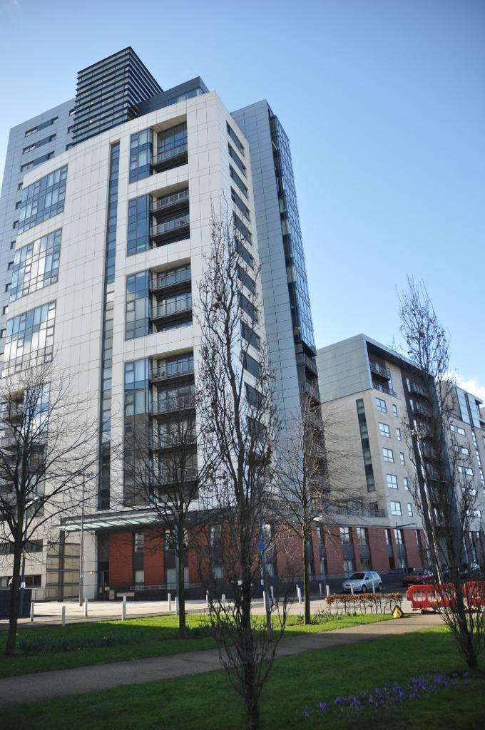 2 Bedrooms Flat for rent in Meadowside Quay Square, Flat 7/4, Glasgow Harbour, Glasgow, G11 6BS