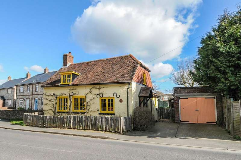 2 Bedrooms Cottage House for sale in Tangmere, nr Chichester