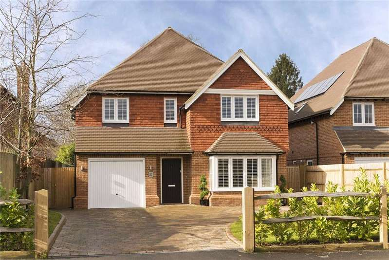 4 Bedrooms Detached House for sale in Childs Hall Road, Bookham, Surrey, KT23