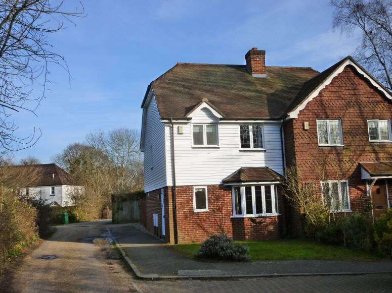 3 Bedrooms Semi Detached House for sale in St Georges Place, New Pond Road, Benenden, Kent, TN17 4EJ