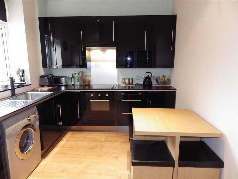 2 Bedrooms Terraced House for sale in Park Road, Waterfoot, Rossendale, Lancashire, BB4
