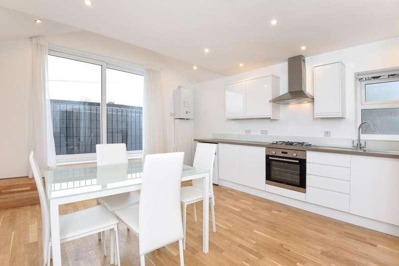 2 Bedrooms Flat for sale in Merton Road, Southfields, SW18