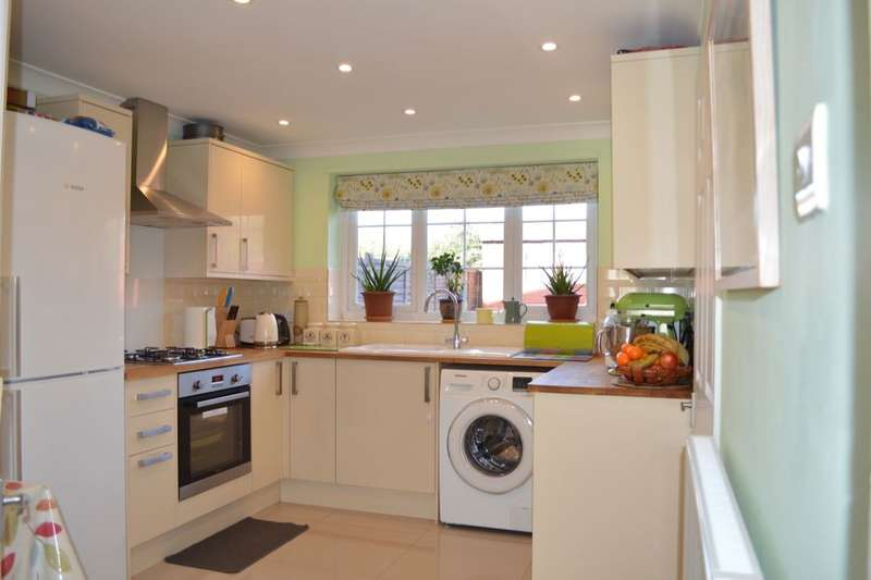 2 Bedrooms Semi Detached House for sale in Newman Street, Southampton, SO16