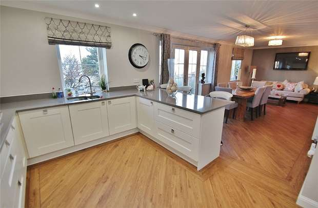 4 Bedrooms Detached House for sale in Crest Heights, Portishead, North Somerset