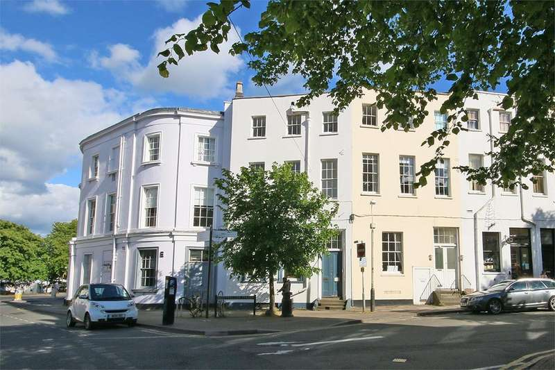 2 Bedrooms Flat for sale in Queens Circus, Cheltenham