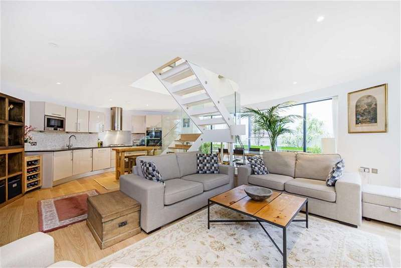 2 Bedrooms House for sale in Battersea Mews, Battersea, SW11