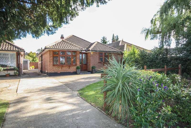 3 Bedrooms Detached Bungalow for sale in Stock Road, Billericay CM12