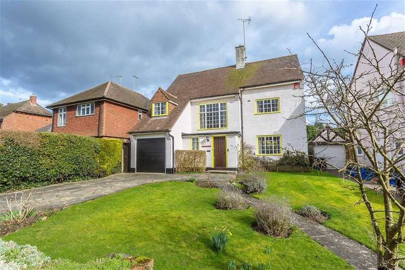 3 Bedrooms Detached House for sale in Wheeler Avenue, Oxted, Surrey