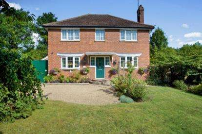 3 Bedrooms Detached House for sale in Papworth Everard, Cambridge, Cambridgeshire