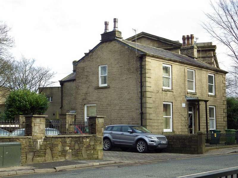 4 Bedrooms Detached House for sale in Bacup Road, Rawtenstall, Rossendale, Lancashire, BB4