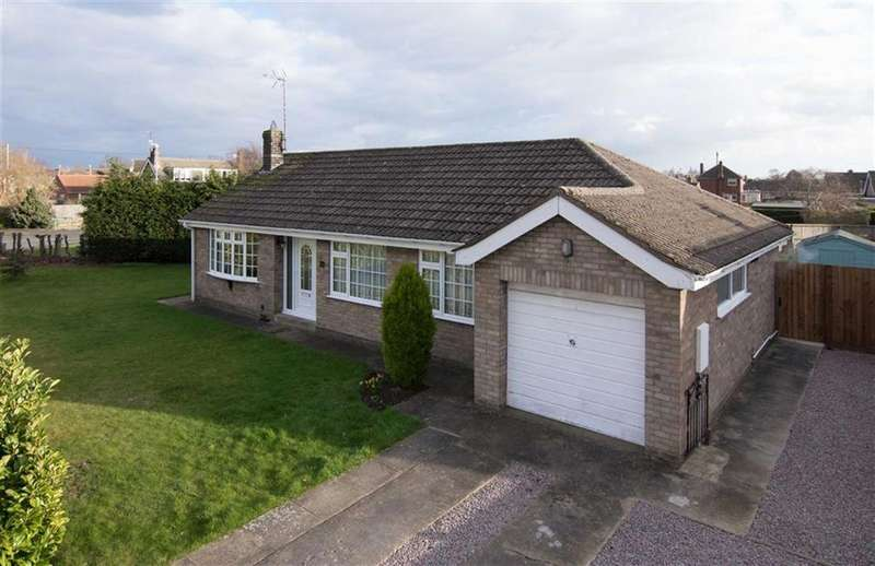 3 Bedrooms Detached Bungalow for sale in Park Close, Spalding