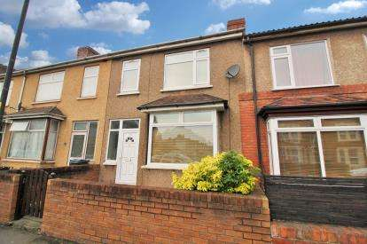 3 Bedrooms Terraced House for sale in Forest Road, Fishponds, Bristol