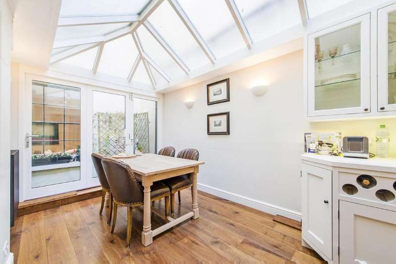 2 Bedrooms Flat for sale in Cleveland Square, Bayswater, W2