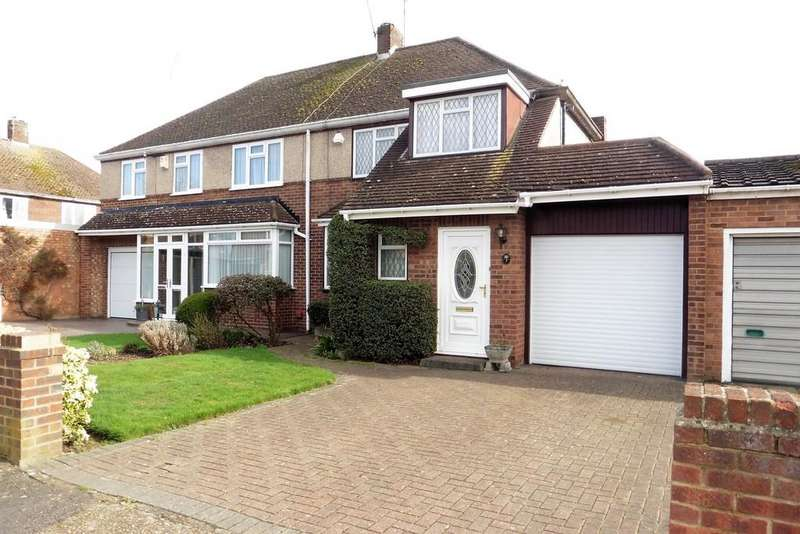 3 Bedrooms Semi Detached House for sale in Selby Road, Ashford, TW15