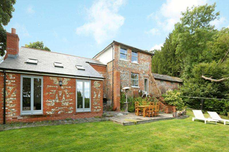 4 Bedrooms Detached House for sale in Wargrave, Berkshire.