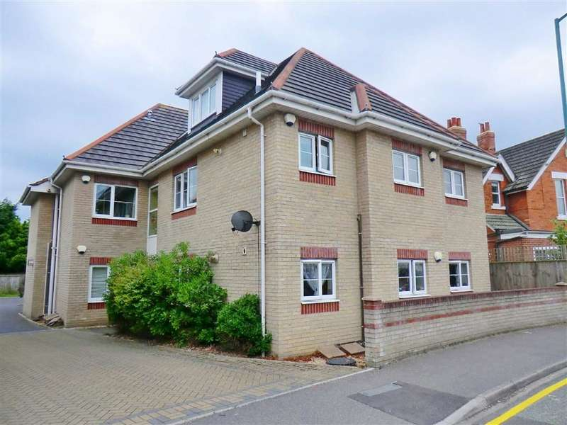 2 Bedrooms Flat for sale in 13 Woodside Road, Bournemouth, Dorset