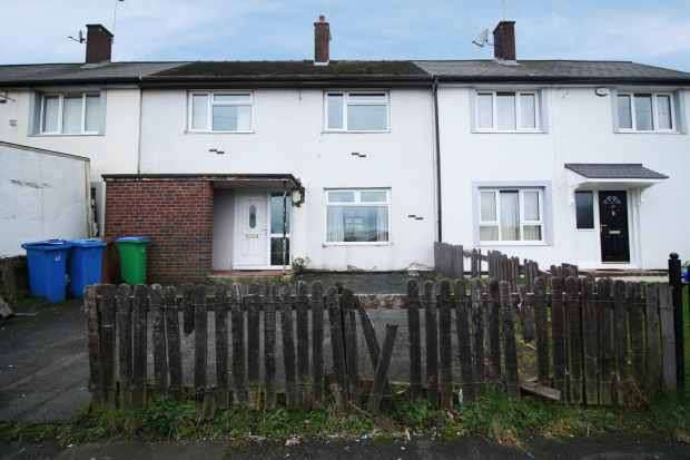 2 Bedrooms Terraced House for sale in Tavistock Road, Rochdale, Lancashire, OL11 2JB