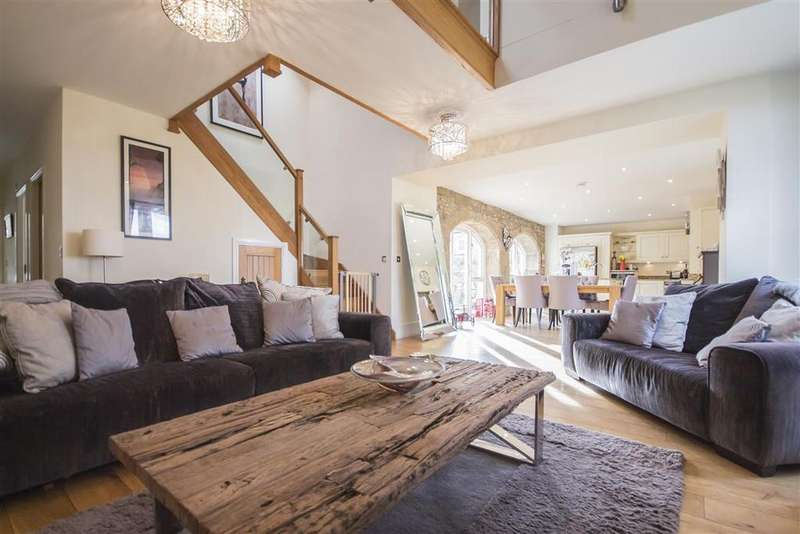 4 Bedrooms Barn Conversion Character Property for sale in The Smithy, 3 Fell House Farm, North Walbottle, Newcastle upon Tyne NE5