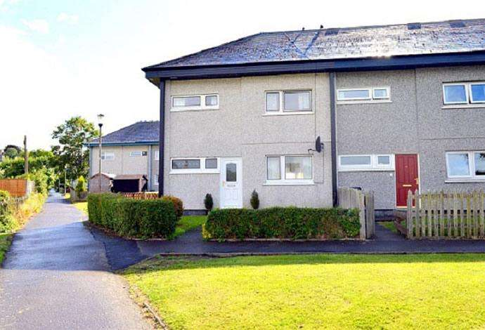 3 Bedrooms Terraced House for sale in 5 Balnagowan Road, Selkirk, TD7 4JE