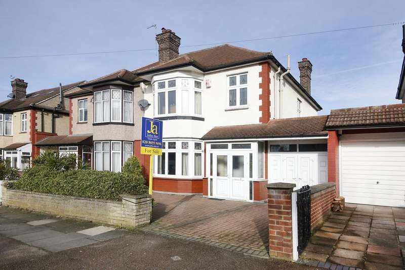 3 Bedrooms Semi Detached House for sale in Daneby Road, London