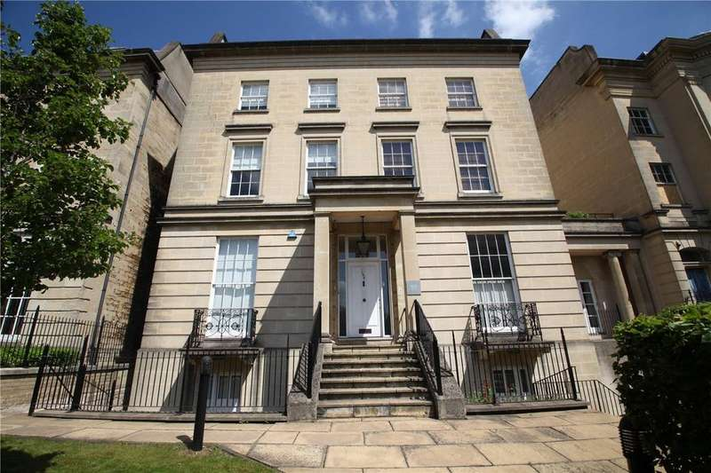 2 Bedrooms Flat for sale in Alexandra House, 169-171 Kings Road, Reading, Berkshire, RG1