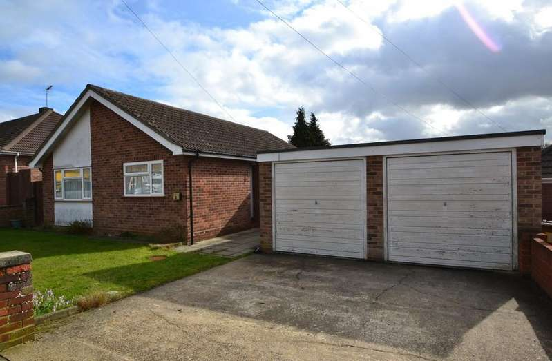 2 Bedrooms Detached Bungalow for sale in Knightsdale Road, Ipswich, Suffolk