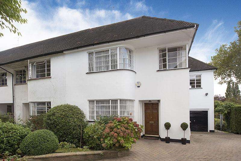 4 Bedrooms Cottage House for sale in Kingsley Close, N2