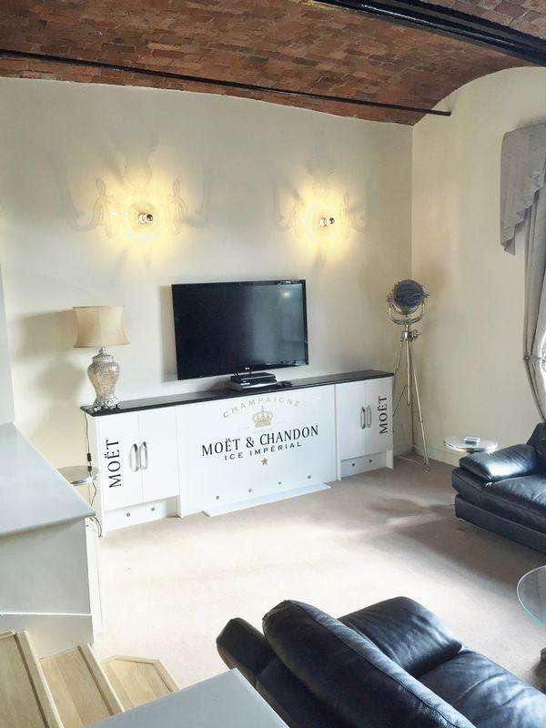 3 Bedrooms Apartment Flat for sale in Wapping Dock, Liverpool