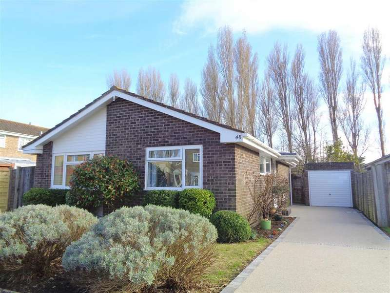 3 Bedrooms Detached Bungalow for sale in Pinehurst Park, Aldwick