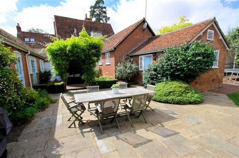4 Bedrooms House for sale in Lodge Farm, Heath Lane, Codicote, SG4 8WP