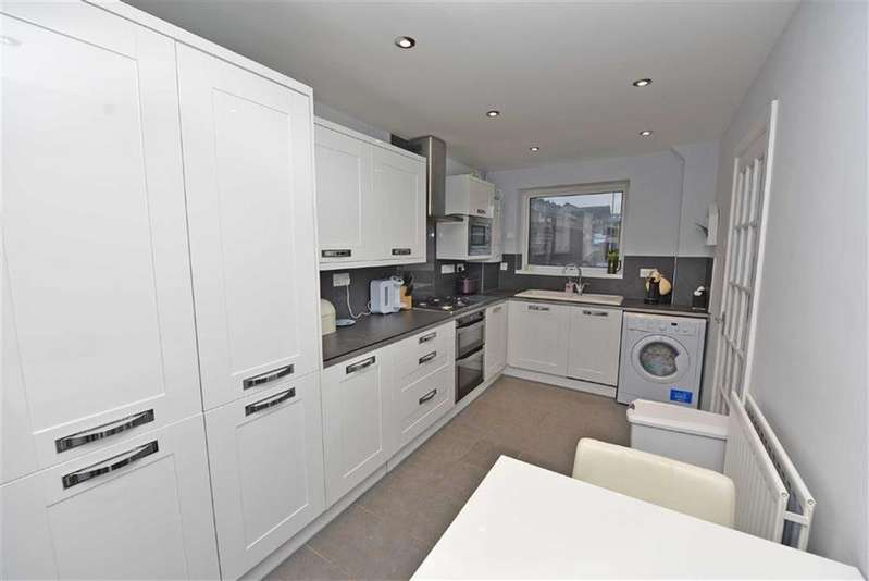 2 Bedrooms Semi Detached House for sale in Pelaw