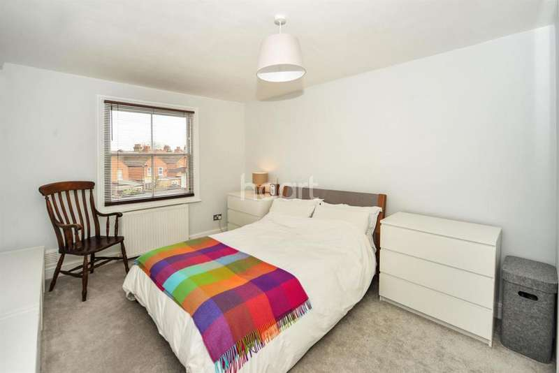 1 Bedroom Flat for sale in St Johns Ave, NW10