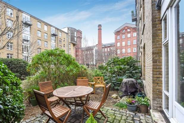 2 Bedrooms Flat for sale in Park West, Bow Quarter, 60 Fairfield Road