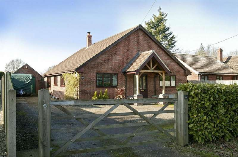 4 Bedrooms Detached Bungalow for sale in Station Road, Aslacton, Norfolk