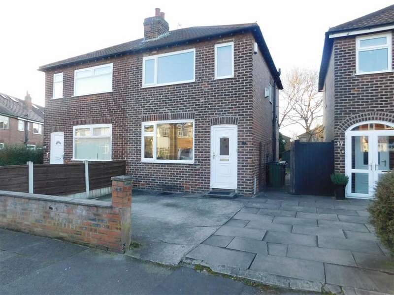 2 Bedrooms Property for sale in Sandringham Road, Bredbury, Stockport