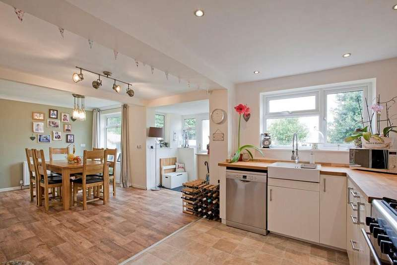 4 Bedrooms House for sale in Fountains Way, Knaresborough