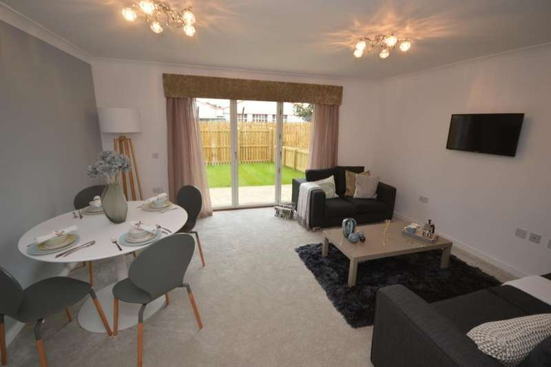 3 Bedrooms Detached House for sale in Antonine Court, Larbert, FK5