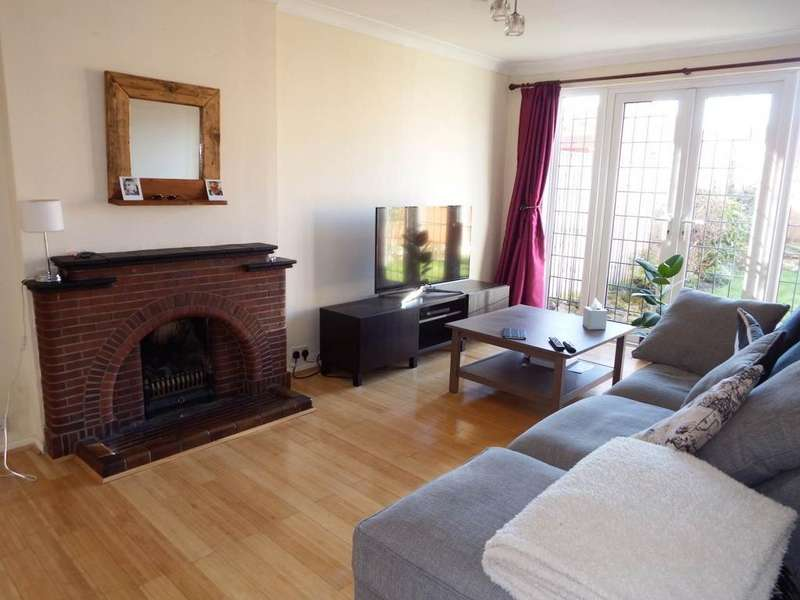 3 Bedrooms Detached House for rent in Seaford Avenue, Wollaton, Nottingham