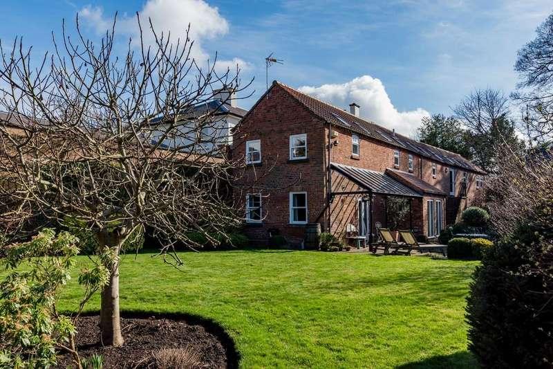 5 Bedrooms Detached House for sale in Middlethorpe, York