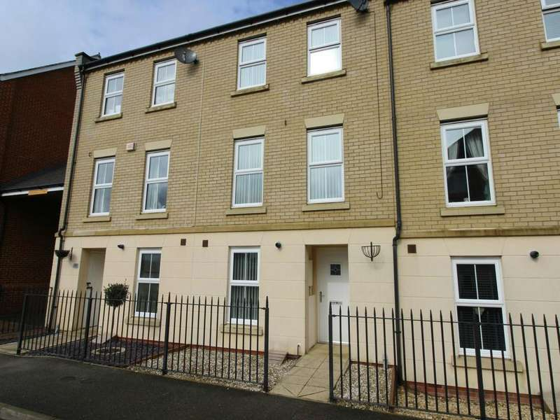 3 Bedrooms Terraced House for sale in Holst Avenue, Witham, CM8
