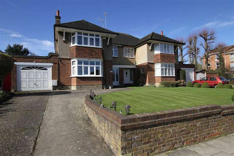 3 Bedrooms Semi Detached House for sale in Lyonsdown Road, New Barnet, Herts, EN5