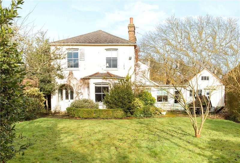 3 Bedrooms Detached House for sale in Ashley Road, Thames Ditton, Surrey, KT7